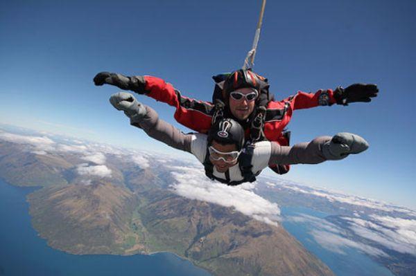 tandem-skydiving